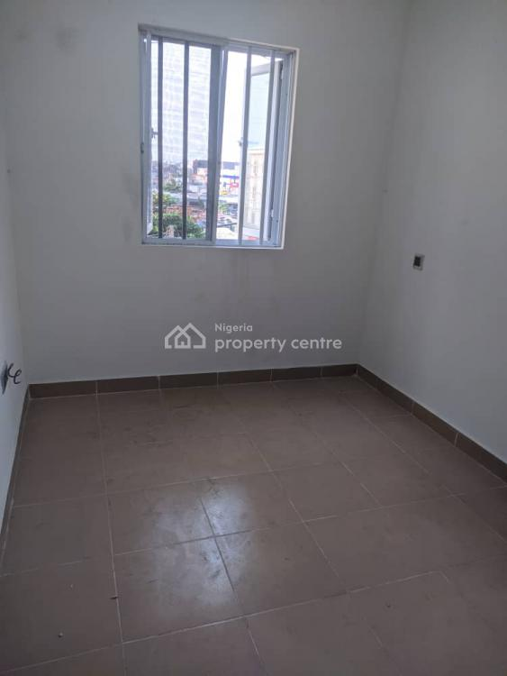 Roomate Needed for Luxury Self Contained, Ikota, Lekki Phase 1, Lekki, Lagos, Self Contained (single Rooms) for Rent