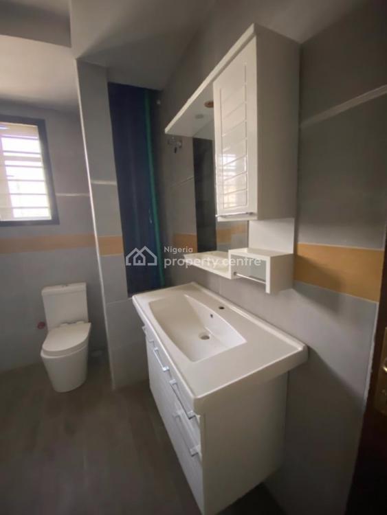 Spacious 3 Bedroom Flat, Banana Island, Ikoyi, Lagos, Block of Flats for Sale