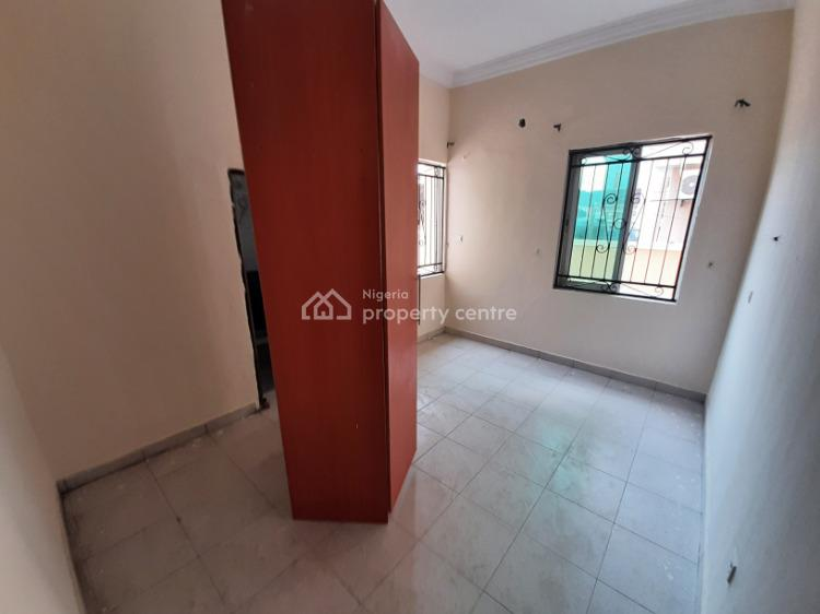 Newly Renovated 3 Bedroom En-suite Flat, Osapa, Lekki, Lagos, Flat for Rent