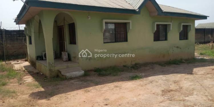 3 Bedroom Bungalow on About 1,200sm Land, Aerodrome Gra Samonda, Ibadan, Oyo, Detached Bungalow for Sale