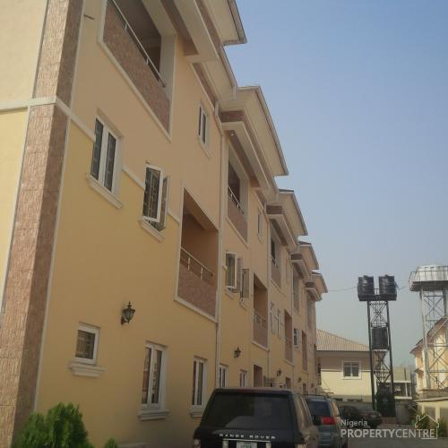 4 Bedroom Terrace With Bq At Oniru Estate, Victoria Island (vi), Lagos, 4 Bedroom House For Sale