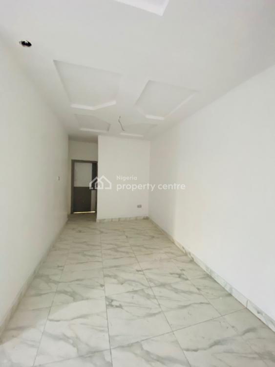 Lovely 2 Bedroom  Flat, Orchid Road, Lekki Expressway, Lekki, Lagos, Block of Flats for Sale