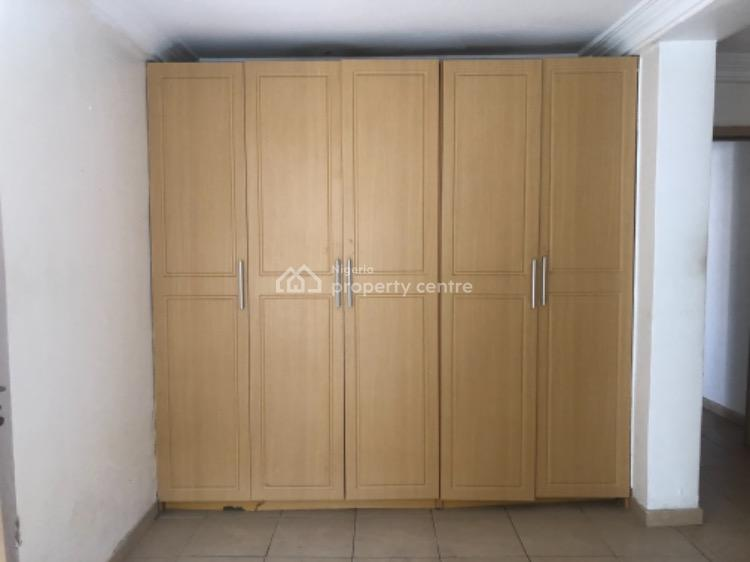 Well Built and Spacious 3 Bedroom Apartment with Bq in a Gated Estate, Lekki Phase 1, Lekki, Lagos, Flat for Rent