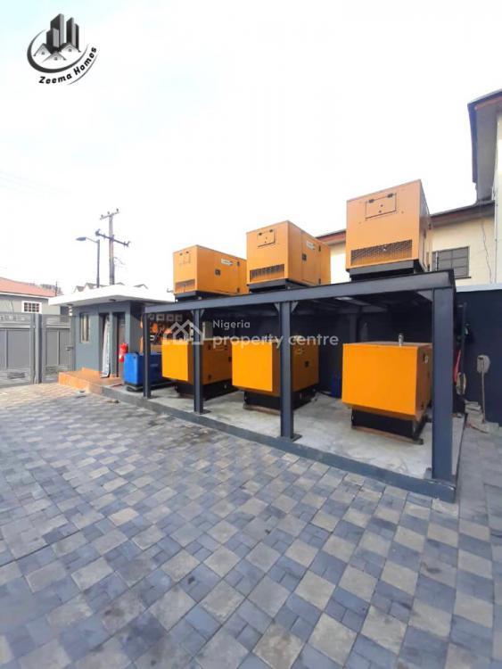 Luxury 3 Bedroom Flat with a Bq, Lekki Phase 1, Lekki, Lagos, Block of Flats for Sale