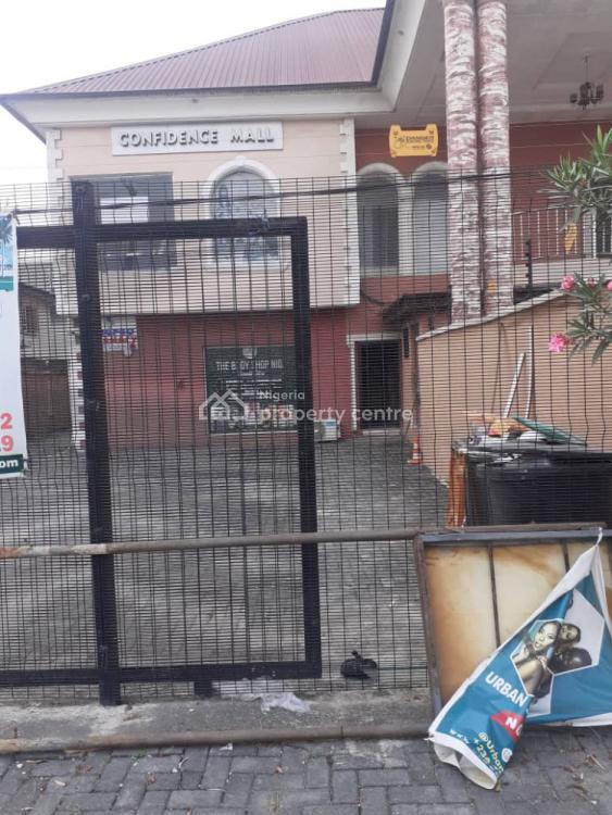Commercial Space of 5 Bedroom Office Spaces/shops, Lekki Phase 1, Lekki, Lagos, Plaza / Complex / Mall for Rent
