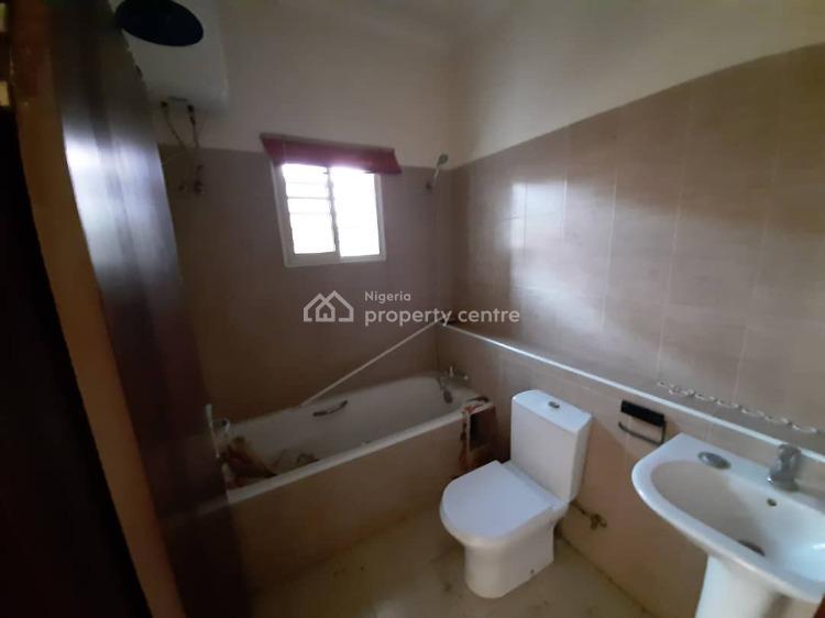 2 Bedroom Flat with a Bq in an Estate, Lekki Phase 1, Lekki, Lagos, Flat for Rent