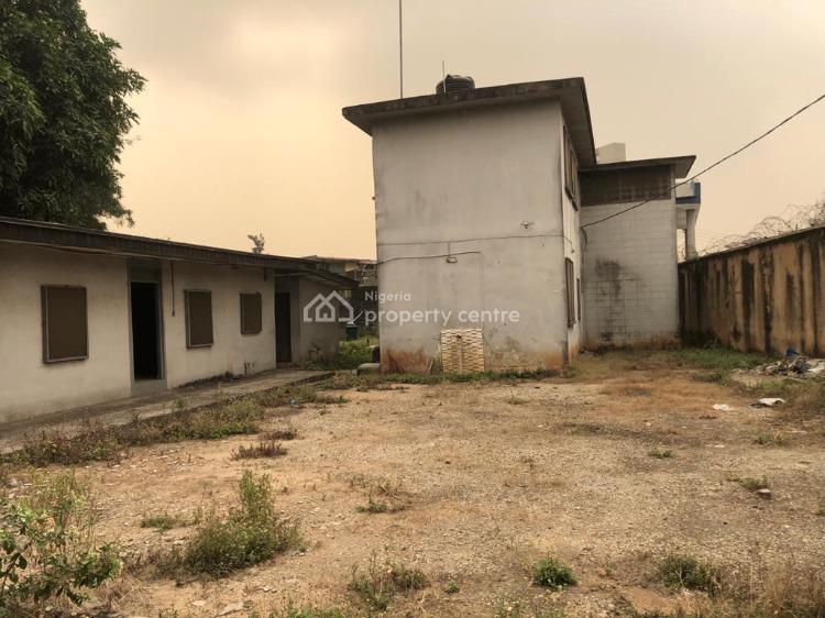 6 Bedrooms Fully Detached House + Bqs on 600sqm, Alakakija Road, Beside Firstbank, Waec, Yaba, Lagos, Detached Duplex for Sale