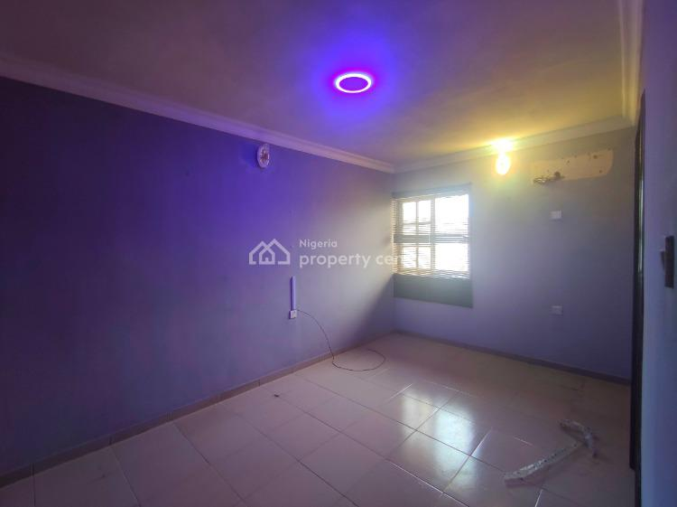 Serviced 2 Bedroom Apartment Upstairs with Private Balcony, Admiralty Way, Lekki Phase 1, Lekki, Lagos, Flat for Rent