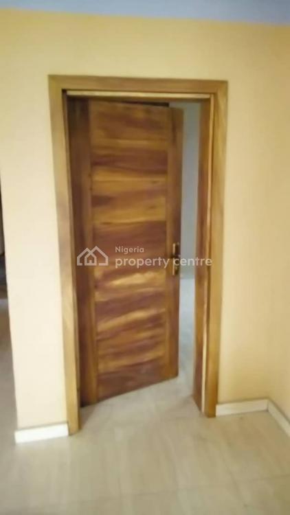 Executive and Spacious 3 Bedroom Flat, Borno By Spencer Street, Alagomeji, Yaba, Lagos, Flat for Rent