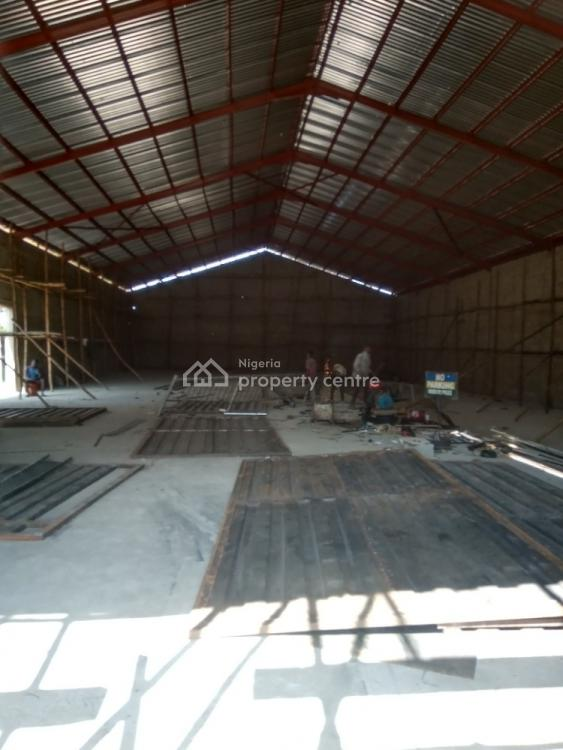 New, Neat, Spacious and Structurally Sound Warehouse of 1,100sqm, New Garage, Old Lagos Road, Ibadan, Oyo, Warehouse for Rent