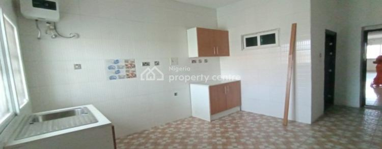 Well Maintained and Very Spacious 3 Bedroom Apartment, Lekki Phase One, Lekki, Lagos, Flat for Rent