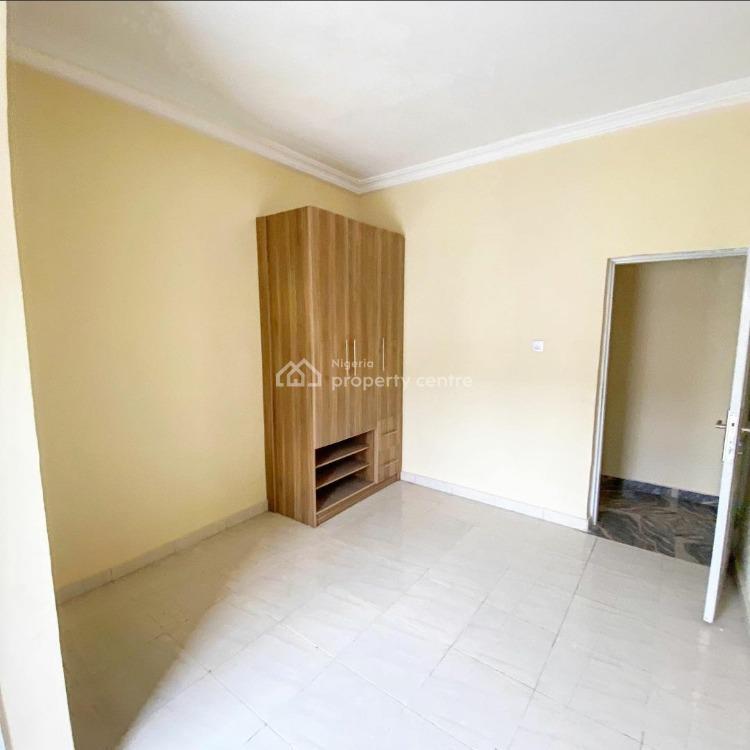 3 Bed Ensuite Flat, Ikota Villa Estate By Mega Chicken Before Vgc, Lekki Phase 2, Lekki, Lagos, Flat for Sale