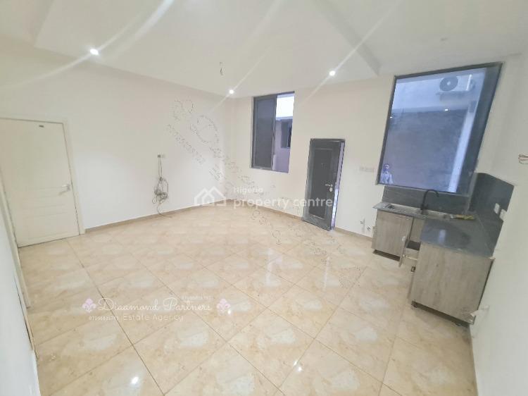 3 Bedrooms Maisonette, Lekki Phase 1, Lekki, Lagos, Terraced Duplex for Rent