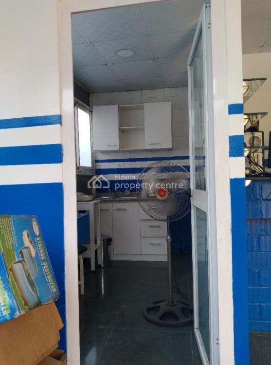 Well Appointed Shop Space, 5b, Alakija Street, Jibowu, Yaba, Lagos, Shop for Rent
