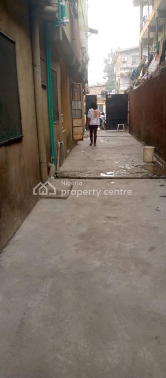 a 2 Bedroom, Ibadan Street at Close Proximity to Third Mainland Bridge, Ebute Metta West, Yaba, Lagos, Flat for Rent