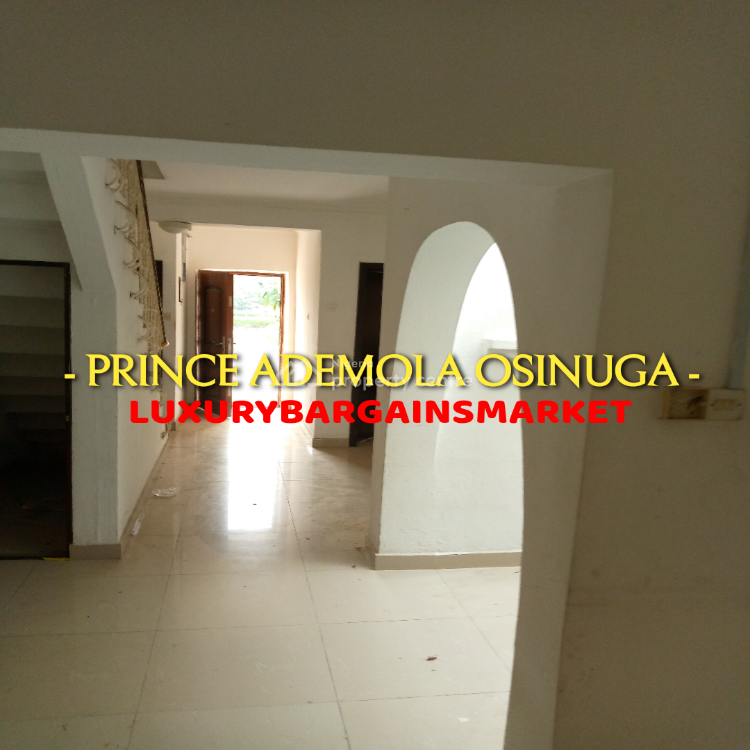 Strategically Located 3 Bedroom Terrace Over Looking a Golf Course!, Southwest Ikoyi, Falomo, Ikoyi, Lagos, Terraced Duplex for Rent