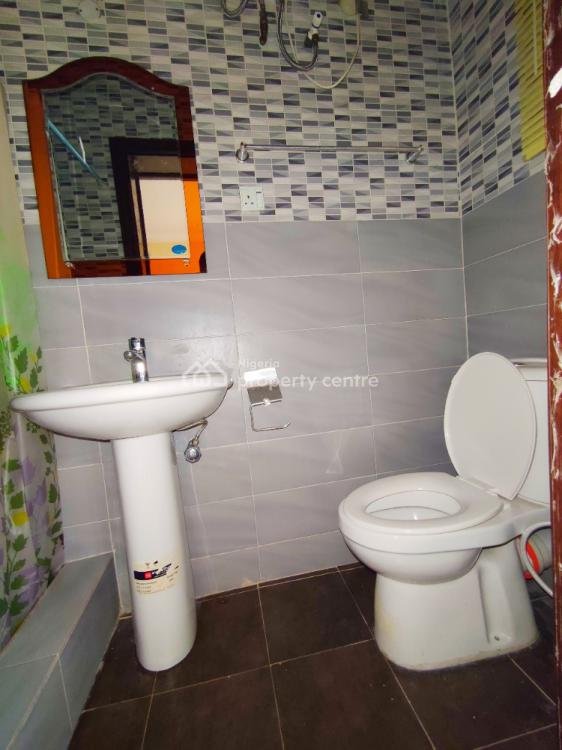 Well Maintained 3 Bedroom Apartment with Bq Upstairs, Admiralty Way, Lekki Phase 1, Lekki, Lagos, Flat for Rent