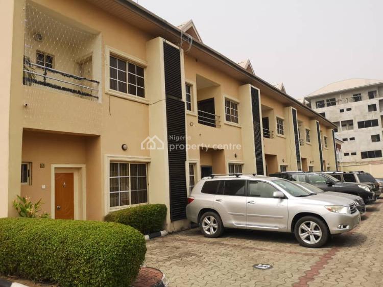 4 Bedrooms Serviced Terraced House, Lekki Phase 1, Lekki, Lagos, Terraced Duplex for Sale