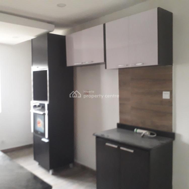 Tastefully Finished 3 Bedroom Flat Upstairs, Off Hakeem Dickson Link Road, Lekki Phase 1, Lekki, Lagos, Flat for Rent