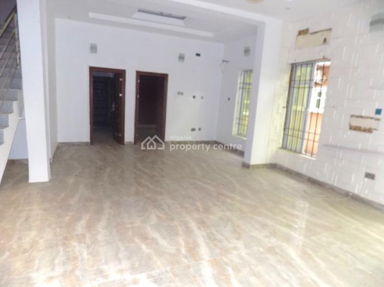 4 Bedrooms Semi Detached Duplex Self Compound with Private Gate, Ologolo, Jakande, Lekki, Lagos, Semi-detached Duplex for Rent