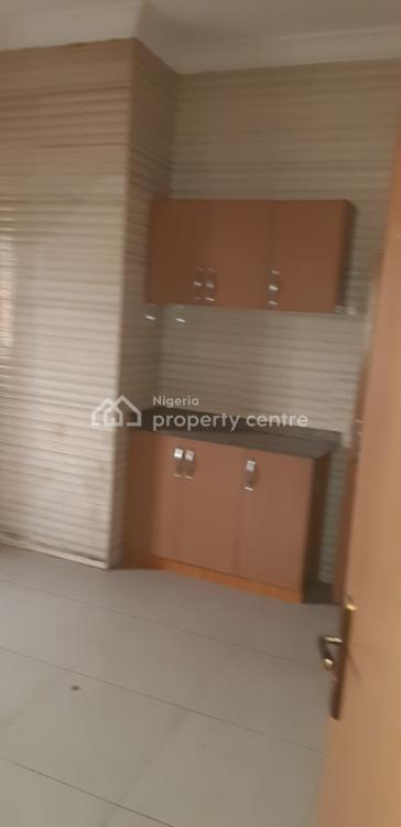 a Lovely & Nice Well Finished 2 Bedroom Flat with Car Park, Fashoro Road, Surulere, Lagos, Flat for Rent
