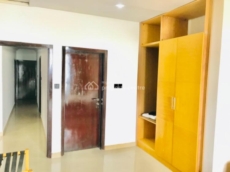 3 Bedroom Apartment with Swimming Pool and Ocean View, Admiralty Close, Lekki Phase 1, Lekki, Lagos, Flat Short Let