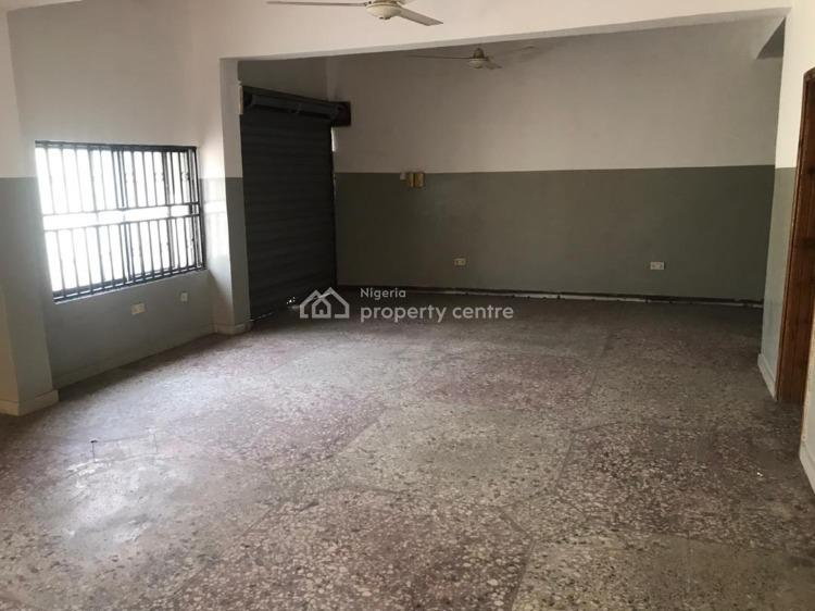Office Complex with Warehouses and Excellent Facilities, Qtrs 856 Oba Soun Street Total Garden, Agodi, Ibadan, Oyo, Office Space for Rent