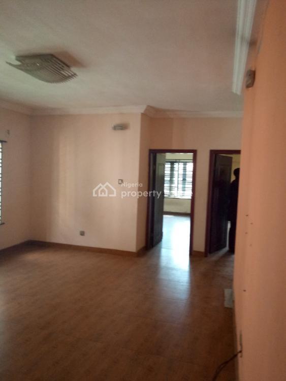 5 Bedrooms Duplex with 2 Bedrooms Bq, Magodo Gra Phase 2, Gra, Magodo, Lagos, Flat for Rent