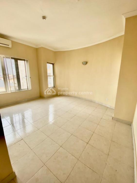Spacious 3 Bedroom Flat with One Bedroom Bq, Admiralty Way, Lekki Phase 1, Lekki, Lagos, Flat for Rent