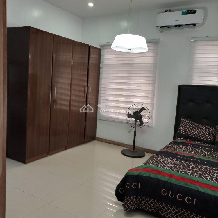 Fully Furnished Masters Bedroom. Self-contained, Off Oniru New Market, Beside Prince Ebeano Supermarket, Lekki Phase 1, Lekki, Lagos, Self Contained (single Rooms) for Rent