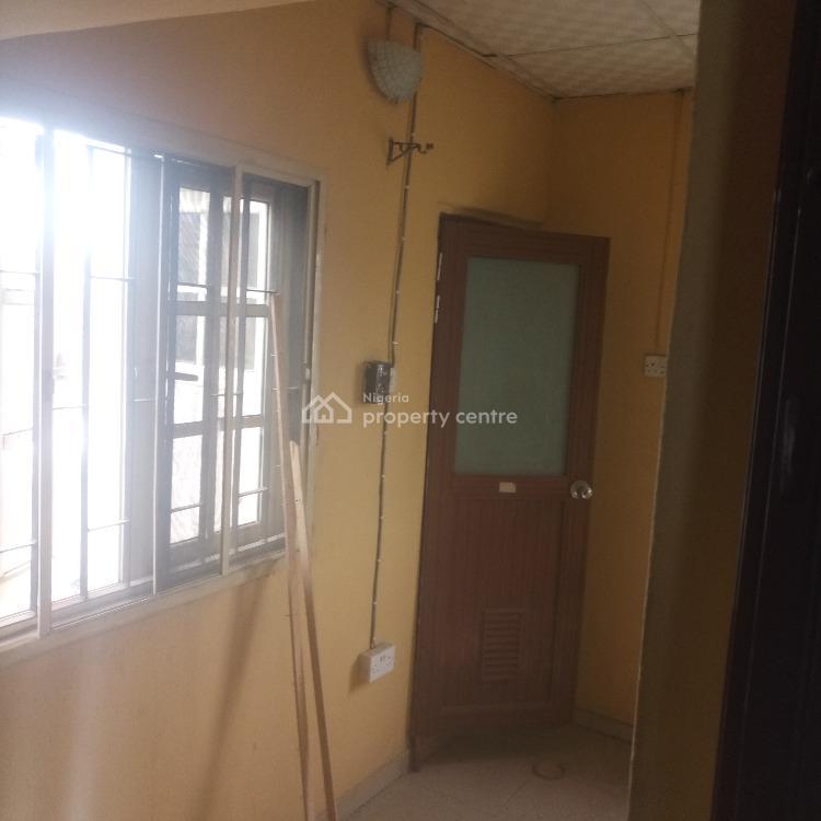 4 Bedroom Duplex Alone in a Compound, Randle Avenue, Surulere, Lagos, Detached Duplex for Rent
