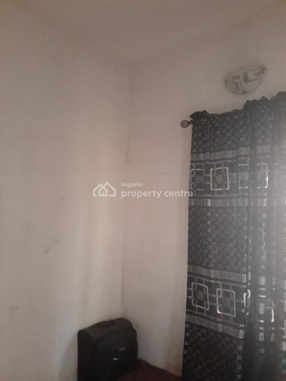 a Room Available in a Flat, Gbagada, Lagos, Flat / Apartment for Rent