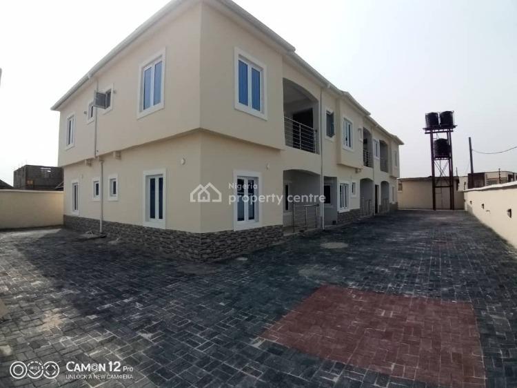 2 Bedrooms Flat, Distress Offer, Close to The Abraham Adesanya Roundabout, Lekki Phase 2, Lekki, Lagos, Flat / Apartment for Sale