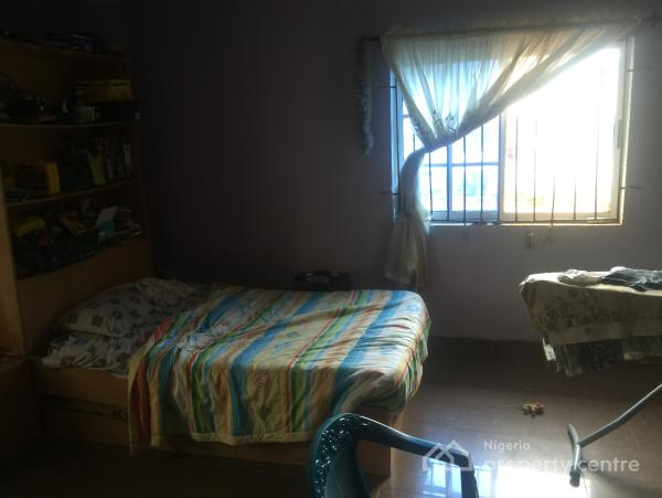 For sale 5 bedroom flat 2 sitting room with 2 unit of a for Bedroom generator