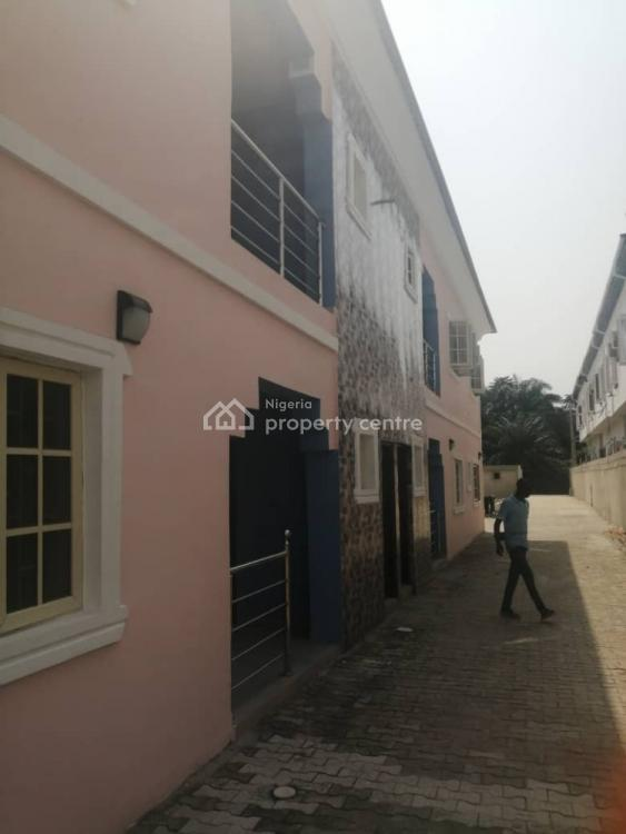Luxury 3 Bedroom Flat with Excellent Facilities, By Second Toll Gate Chevron, Lekki Phase 2, Lekki, Lagos, Flat / Apartment for Rent