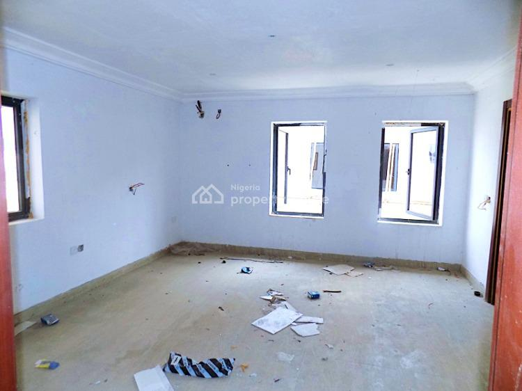 Very Big Compound, 3 Bedrooms Terraced with Bq + 24hrd Powe +boat Club, Beside Vgc, Lekki, Lagos, Terraced Duplex for Sale