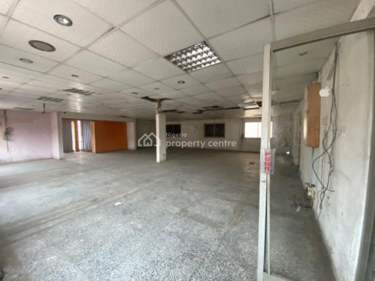 an Open Plan Office Space Measuring About 200sq, Along Toyin Street, Ikeja, Lagos, Commercial Property for Rent