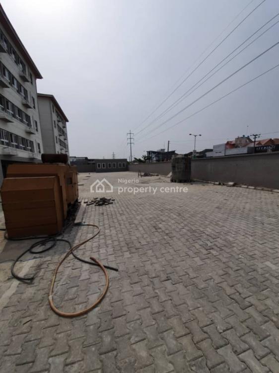 Luxurious 2 Bedrooms Apartments, Off Admiralty Way, Lekki Phase 1, Lekki, Lagos, Flat / Apartment for Sale