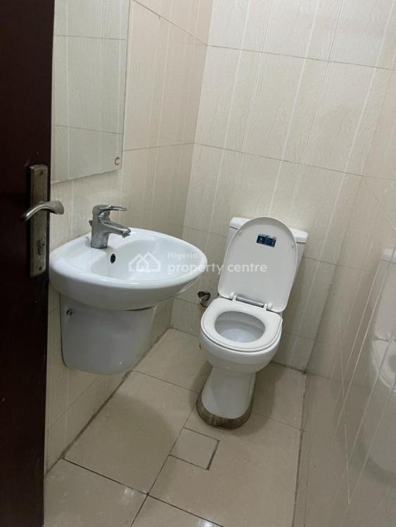 Three Bedroom Deluxe Apartment, Milverton Estate, Osapa, Lekki, Lagos, Flat / Apartment Short Let