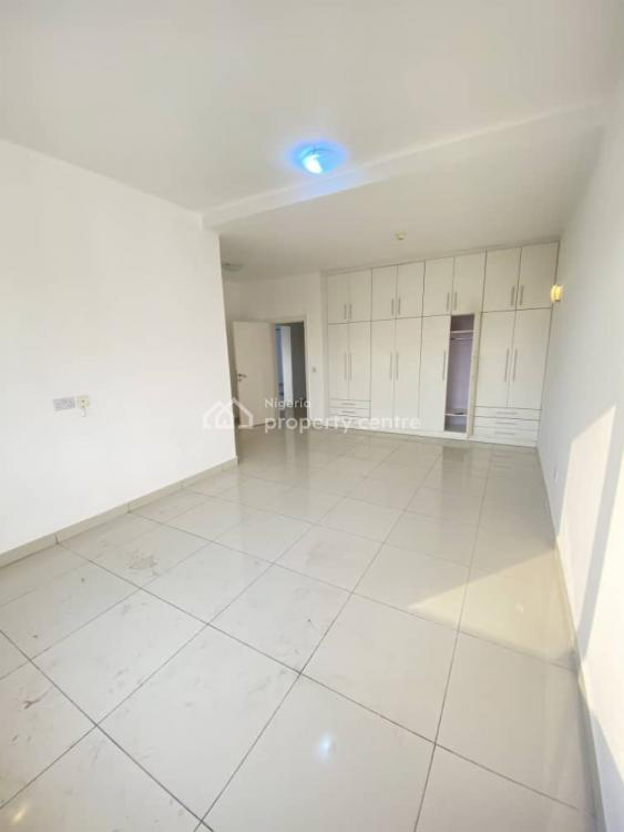 Luxurious 2 Bedroom Apartment with Maids Room and Swimming Pool, Ikoyi, Lagos, Flat / Apartment for Rent