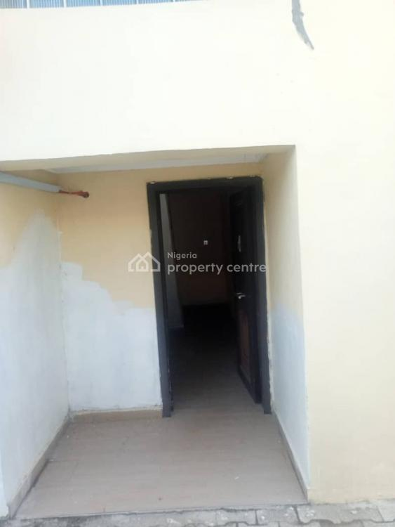 Distress 3 Bedroom Flat with Fitted Kitchen and Bq, Agungi, Lekki, Lagos, Block of Flats for Sale
