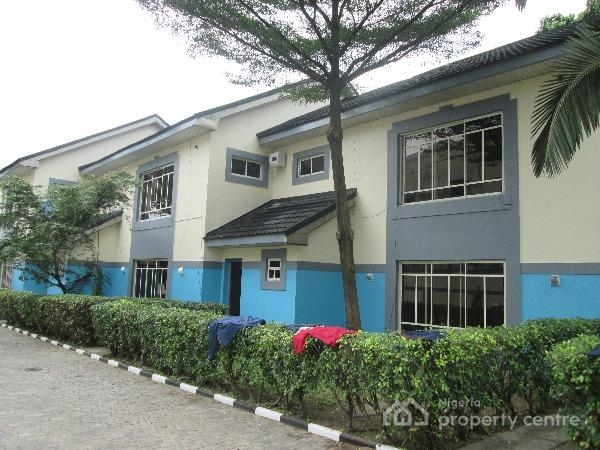 For rent luxury terrace house of 2 unit 4 bedroom for Terrace house boys