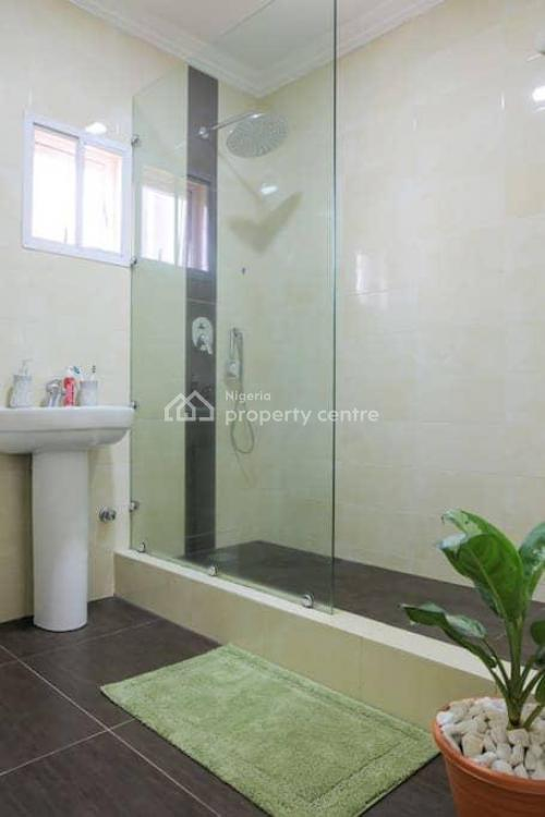 Cozy and Traditional 3 Bedrooms Luxury Flat, Lekki Phase 1, Lekki, Lagos, House Short Let