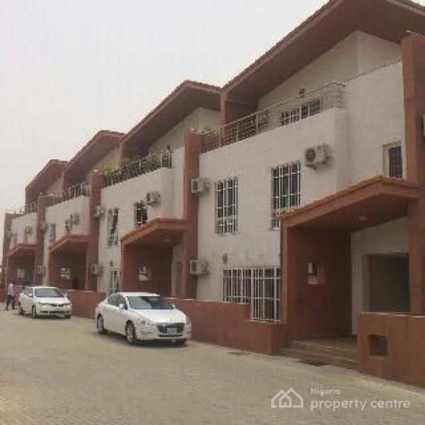 3bedroom For Rent: For Rent: Luxury & Serviced 3 Bedroom Terraced Duplex With