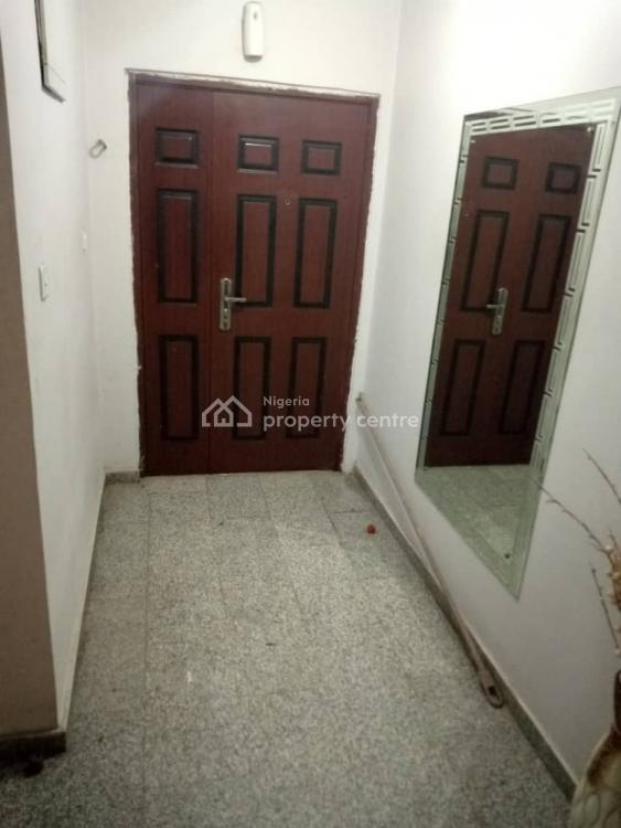 a Well Finish 2 Bedroom Flat Plus  a Room Bq, Off Bode Thamos, Surulere, Lagos, Flat / Apartment for Sale