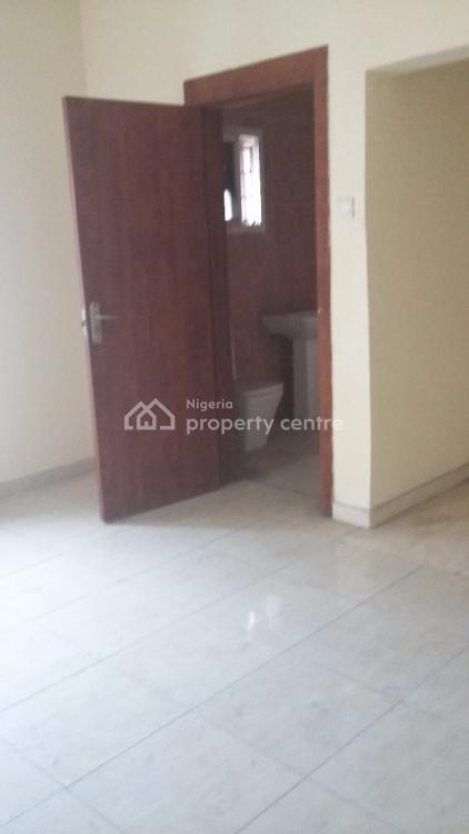 Office Space with Inbuilt Toilet, Off Admiralty Way at Lekki Phase 1, Lekki, Lagos, Office Space for Rent