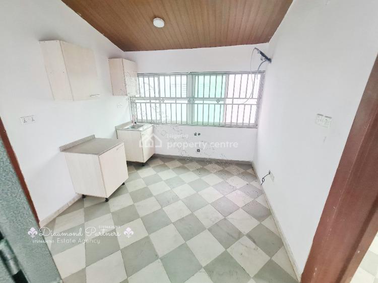 2 Bedroom Flat, Lekki Phase 1, Lekki, Lagos, Flat / Apartment for Rent