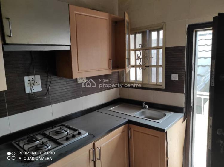 3 Bedroom in Estate, Yaba, Lagos, Flat / Apartment for Rent