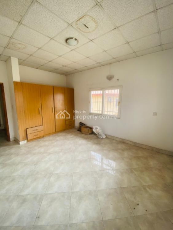 Lovely 4 Bedroom  Flat, Lekki Phase 1, Lekki, Lagos, Flat for Rent