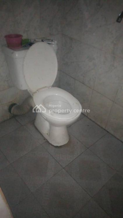 Very Nice 3 Bed Room Flat Up Stairs, Off Lawanson Road, Lawanson, Surulere, Lagos, Flat for Rent